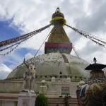 世界遺産のボダナート。時計回りとヘッドスライディングな仏塔。