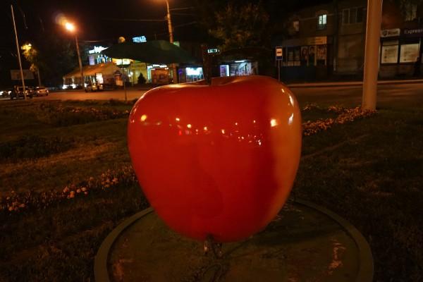 りんごの街アルマトイ