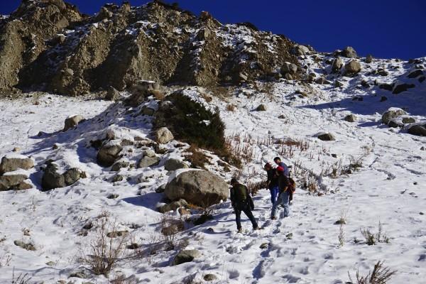 急な山道1