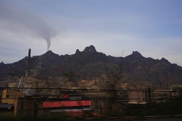 taxi移動、炭鉱の町