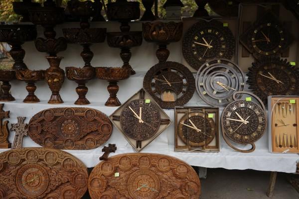 木彫の時計