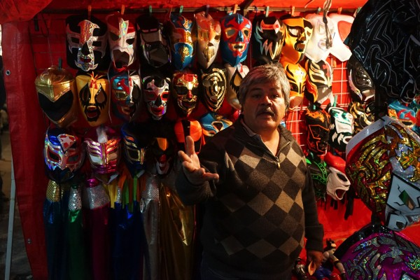 マスク売ってます
