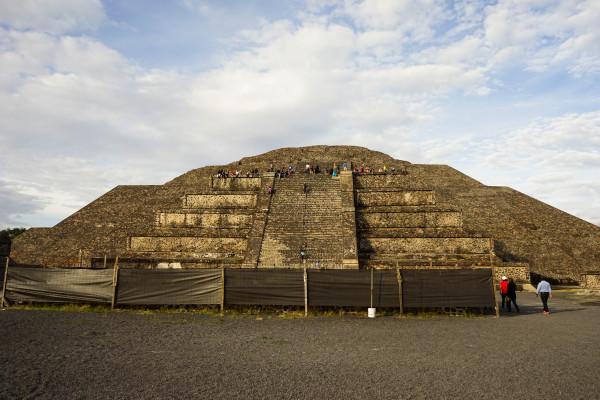 別のピラミッド