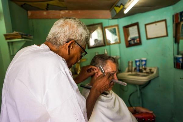 カストロの髪を切ったという美容師