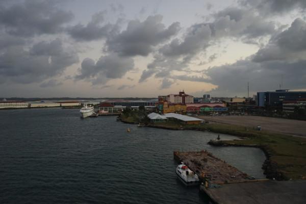 コロンの港