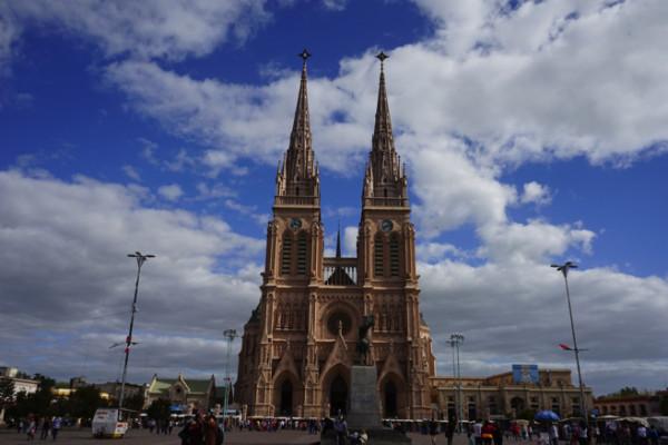 アルゼンチン最大の大聖堂