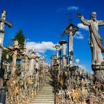 シャウレイ|10万本を超える圧巻の風景。リトアニアの十字架の丘。